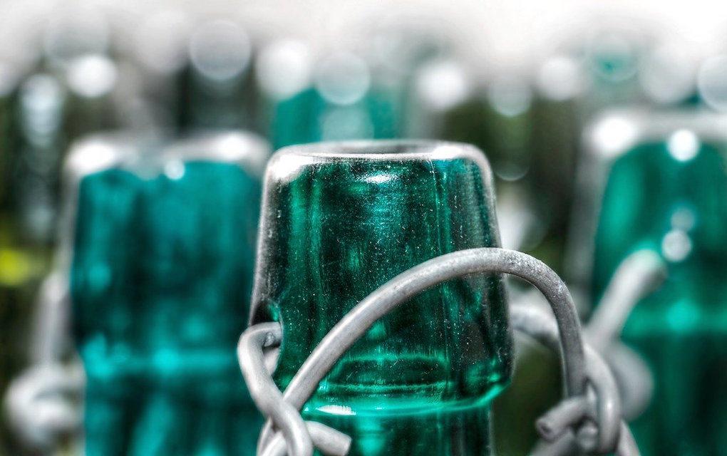 Collecter le verre pour le réutiliser, le pari vertueux de l'association Réutiliz
