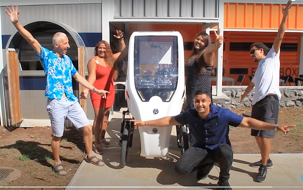 «1 cari à wello» : la livraison de repas bio en tricycle solaire «made in Réunion»