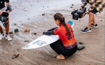 Surf : la Réunionnaise Johanne Defay 4e mondiale